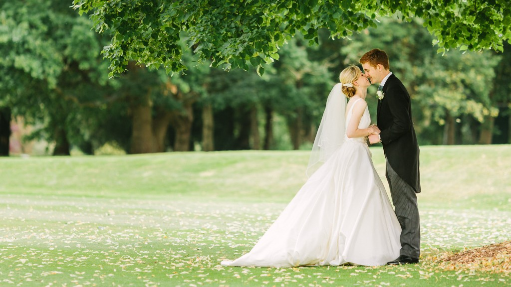 Lizzie & Alex - Burhill Golf Club Wedding