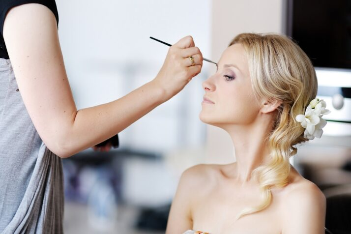 Top 5 Questions That You Must Inquire From Your Hair and Makeup Stylist