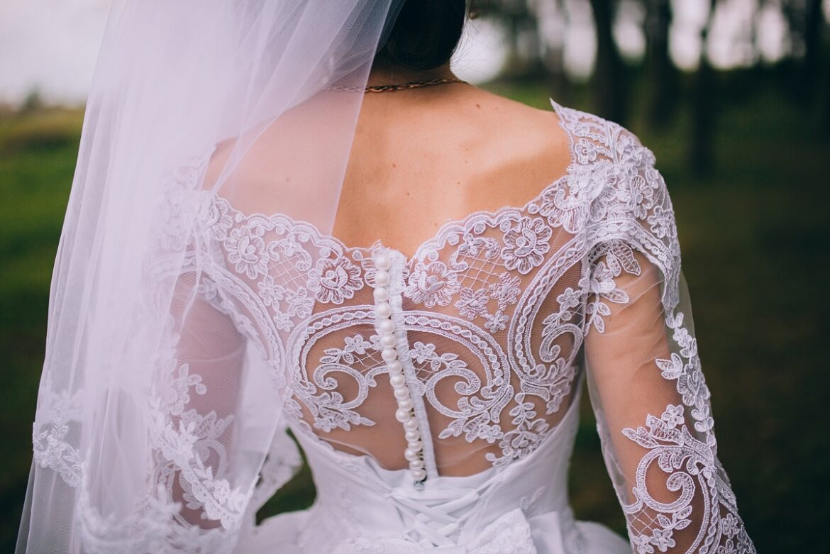 Top 10 Wedding Dress Shopping Mistakes